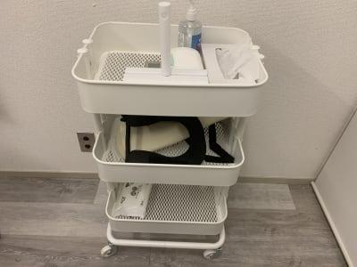移動式のワゴンでスムーズな施術が可能! - レンタルサロン「My room」 レンタルサロン My roomの設備の写真