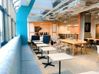 フリースペース - ATOMica 貸し会議室【6人部屋】の室内の写真