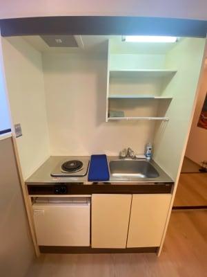 キッチンスペース 包丁やまな板、簡単な調理ができるお鍋やフライパンをご用意 - 《Genie-ジーニー-》 パーティースペースの設備の写真