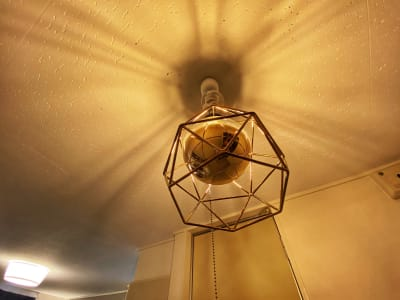 玄関の照明はオシャレなものを設置しました - 《Genie-ジーニー-》 パーティースペースの設備の写真