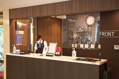 ホテルフロント - ホテル博多中洲イン ホテルの屋外テラス(屋根付き)の設備の写真