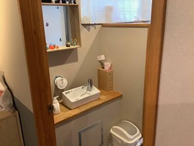 洗面台では各種備品もご利用いただけます - ボードゲームカフェ7Gold キッチン付きレンタルスペースの室内の写真
