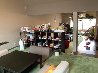 小上がりから2階のスペース全体像です 広くお使いいただけます - ボードゲームカフェ7Gold キッチン付きレンタルスペースの室内の写真