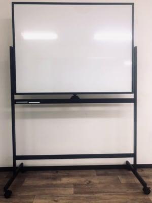 ホワイトボード - スタジオエリース レンタルスタジオの設備の写真