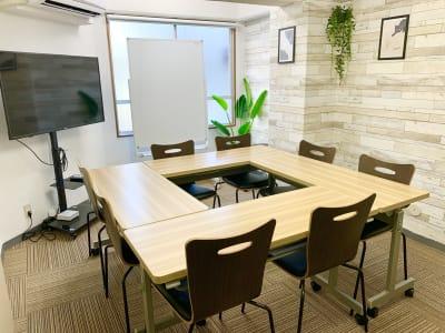 会議・面接・ボードゲーム - ComfortSpace上野I レンタルスペースの室内の写真