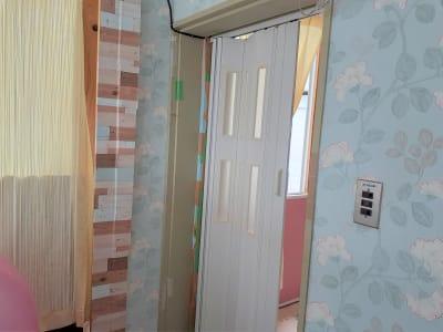 東海ビル金沢  ヨガ,整体,学習,1F小個室の入口の写真