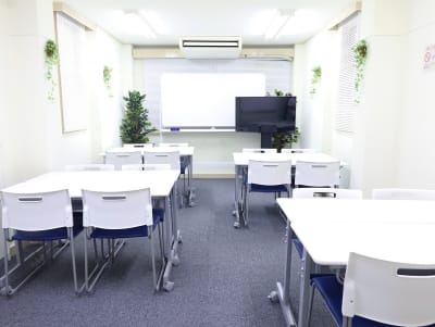 ROOMS 会議室 Nishi - Shinjukuの室内の写真
