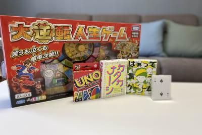 人生ゲーム・UNO・カタカナーシ、はぁって言うゲーム・トランプ - LITMUS高槻🔴🔵 JR高槻駅前パーティースペースの室内の写真