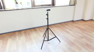 撮影用の三脚です。スマホや、カメラにお使いいただけます。 - 大宮とらのスタジオ 大宮とらのスタジオ 与野店・3階の設備の写真