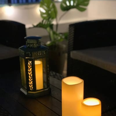 夜の照明が癒される雰囲気 - マイスペ+なんば テラス付きパーティースペースの室内の写真