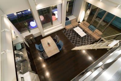 ロフトからの風景 - マイスペ+なんば テラス付きパーティースペースの室内の写真