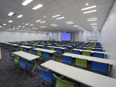 名古屋会議室 プライムセントラルタワー名古屋駅前店 【初回限定】第3+4会議室の室内の写真