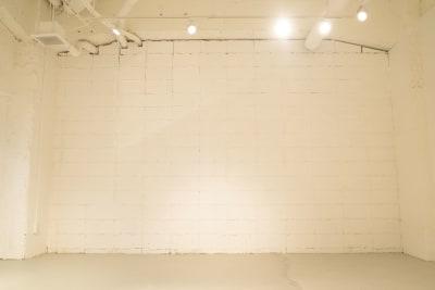「B1-A」 展示会等、全日予約プランの室内の写真