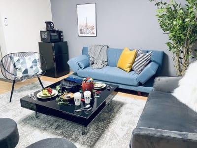 集まりやすい立地! 楽しいひとときをお過ごしください♡ - SMILE+ドルチェ元町 キッチン付きパーティルームの室内の写真