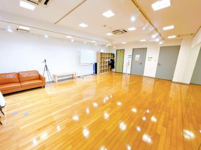 地下なので、足音気にせずお使いいただけます - レンタルスタジオOLI  三鷹店 中規模タイプ スタジオオリ2号店の室内の写真