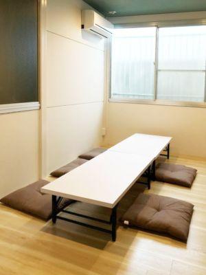 学び舎しおらぼ しおらぼ多目的スペースの室内の写真