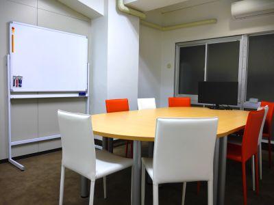 Rampart 会議室1の室内の写真
