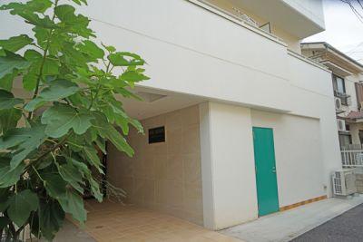 スタジオ アーマーズグリーンドア ダンススタジオ・多目的スペースの入口の写真