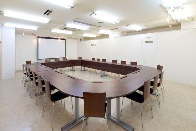 なんばカルチャービル 5F会議室の室内の写真