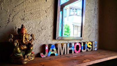 JamHouse天照 Co-Living Space 多目的スペースの入口の写真