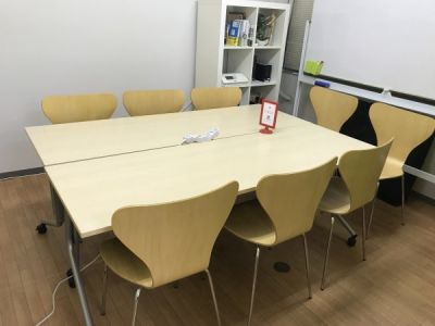 千葉コワーキングスペース201内個室会議室 千葉コワーキングスペース201内の少人数向け貸し会議室の室内の写真