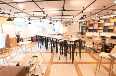 fabbit広島駅前 イベントスペースの室内の写真