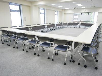 名古屋会議室 ナカトウ丸の内ビル店 第1会議室 (31〜60名)の室内の写真