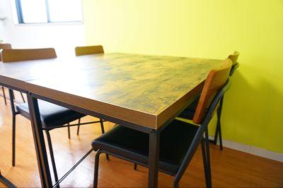 【ライト会議室】 プロジェクタ無料の貸し会議室♪の室内の写真