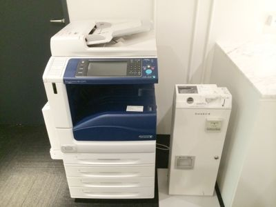 大阪会議室 梅田北新地店 第4会議室(3階)の設備の写真