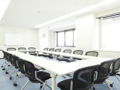 名古屋会議室 橋本ビル千種池下駅前店 B会議室(4階)の室内の写真