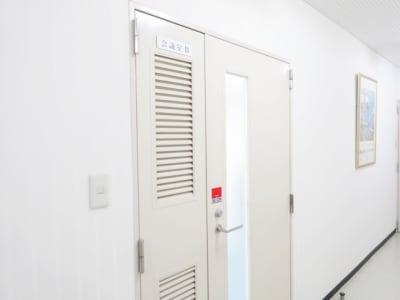 名古屋会議室 橋本ビル千種池下駅前店 B会議室(4階)の入口の写真