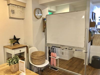 ホワイトボード - スタートアップカフェ レンタルスペース、レンタルキッチンの設備の写真