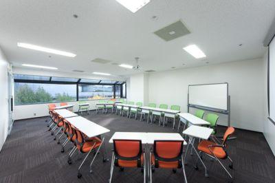 大阪会議室 ツイン21MIDタワー会議室 1会議室(4階)の室内の写真