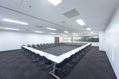 大阪会議室 ツイン21MIDタワー会議室 2会議室(4階)の室内の写真