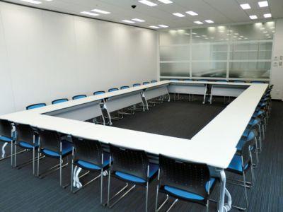 大阪会議室 鐵鋼會館 6号会議室(11階)の室内の写真