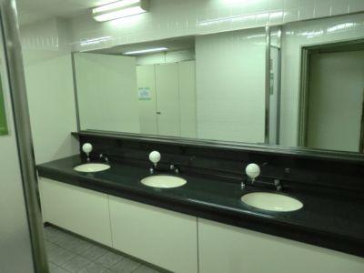 大阪会議室 NSEリアルエステート堂島店 C-2室(B1階)の設備の写真