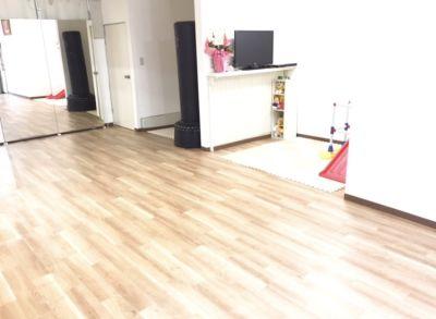 コイズミホーム レンタルスタジオの室内の写真