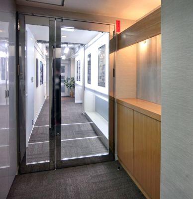 南森町レンタル会議室『シェア・ファーム』 平日1日貸しプランの入口の写真