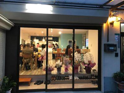 新大阪 ここから100 多目的コミニティスペースの入口の写真