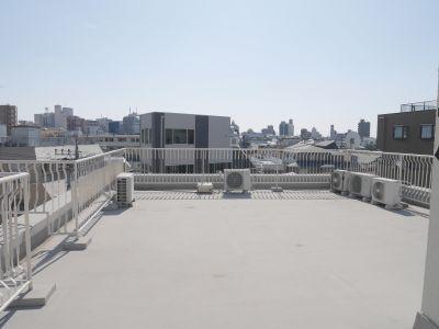 阿佐ヶ谷スペース 屋上の室内の写真