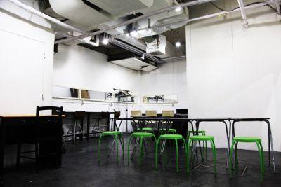 新宿ヘッドパワー ライブハウスの室内の写真