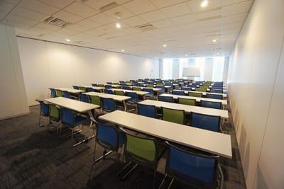 名古屋会議室 プライムセントラルタワー名古屋駅前店 第4会議室の室内の写真