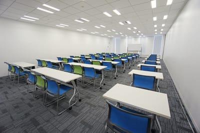 名古屋会議室 プライムセントラルタワー名古屋駅前店 第14会議室の室内の写真
