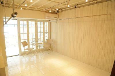 青山展示室 多目的スペース502の室内の写真