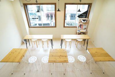#1010(ワンオーワンオー) ギャラリー、フリースペースの室内の写真