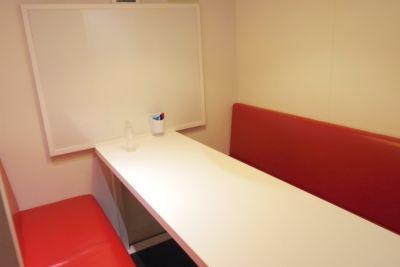 ビジネス街に位置している社会人に人気の半個室スペース! - インスタント会議室 銀座店