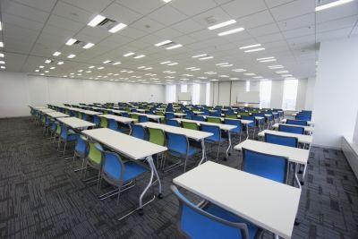 名古屋会議室 プライムセントラルタワー名古屋駅前店 第4+5会議室の室内の写真