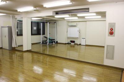 レンタルスタジオカベリ横浜1号店 ダンスができるレンタルスタジオの室内の写真