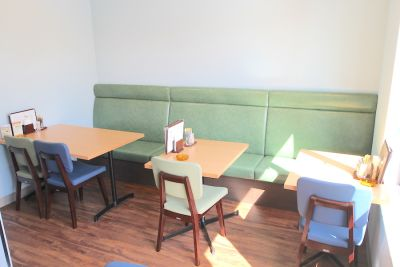 西荻窪レンタルカフェ&ゲームバー『ことぶき』 部分レンタル(〜10名)の室内の写真