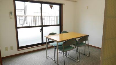 NATULUCK茅場町二号館 6階ミーティングスペースの室内の写真